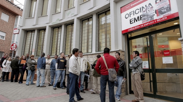 Spain no longer leads unemployment rate in the eurozone. Photo: EFE