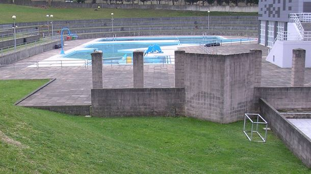 Piscinas bilbao verano 2017 abren las piscinas for Horario piscina alaquas