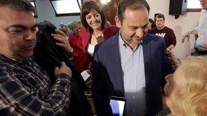 Idoia Mendia y José Luis Ábalos, en el acto del PSE-EE en Errenteria. EFE