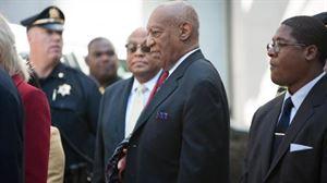 El cómico Bill Cosby sale del palacio de justicia en Norristown, Pensilvania (EE.UU.). Foto: EFE
