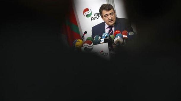 Pedro Sánchez promete su cargo sin biblia ni crucifijo
