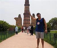 Jon nos enseña el complejo monumental islámico más antiguo de Delhi