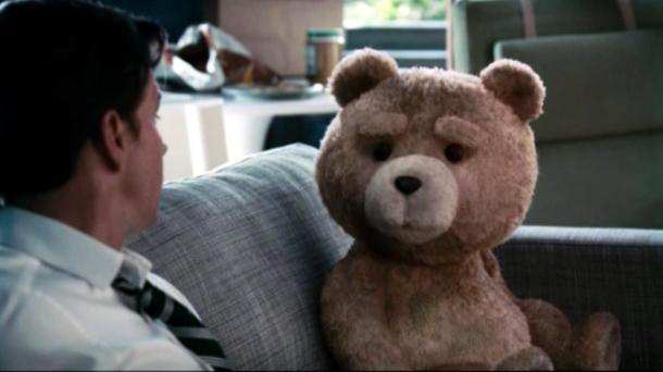 Video de los estrenos de cine :Tom Cruise como estrella de rock 'Ted' |  EITB Vídeos