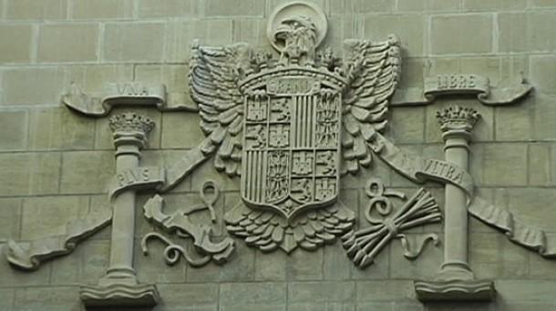 retirada de simbolos franquistas