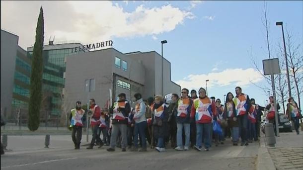 Vídeo: Los trabajadores de Telemadrid protestan frente al