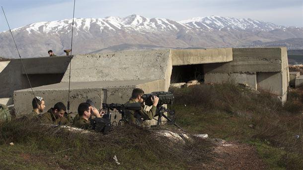 La defensa antiaérea siria intercepta misiles israelíes en Damasco