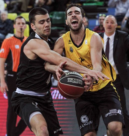 Vídeo  Resumen del RETAbet Bilbao Basket – Iberostar Tenerife (67-74 ... dbf2a78391c03