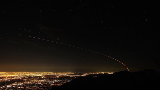La sonda InShigt en el cielo de Los Ángeles (California). Foto: NASA.