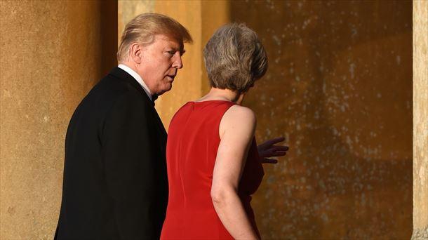 Trump avisa a May de que no habrá acuerdo comercial con su plan del 'brexit'