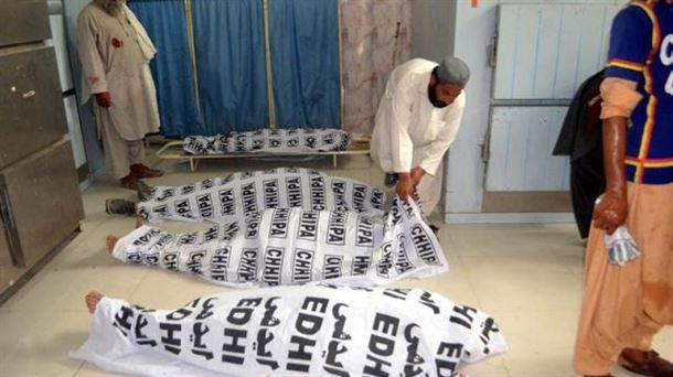 128 muertos y más de 122 heridos en un atentado contra un acto electoral en Pakistán