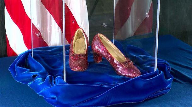Rojos Trece Los Después Años Zapatos Oz' Recuperan Mago De 'el qzMGSUVp