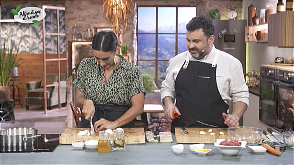 Vídeo: ¿Qué nota le pone Ander a Gabriela cortando cebolla? | A ...