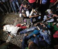 Un tren atropella a una multitud y deja al menos 50 muertos en India