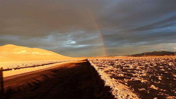 Arcoiris en el corazón del desierto de Atacama. Carlos González Silva (CAB)