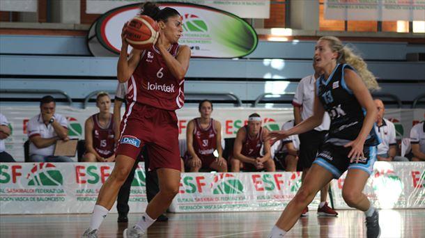 official photos 24190 21bd1 Naiara Diez y Ellen Adina Nystrom en el duelo de la Euskal Kopa