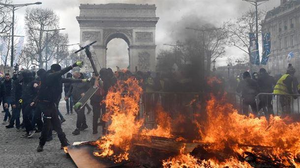 Protestas de los chalecos amarillos en Paris, Francia, 16 de marzo 2019 |  Economía Vasca y Mundial | EiTB