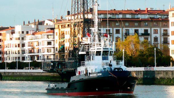 Un trabajador de un remolcador del puerto de Bilbao muere en una guardia de 48 horas