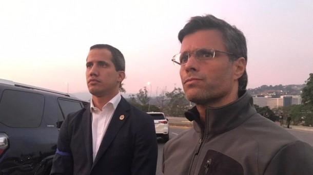 Leopoldo López con Guaidó.