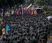 Guaidó no consigue renovar la protesta y Maduro exhibe músculo en las calles