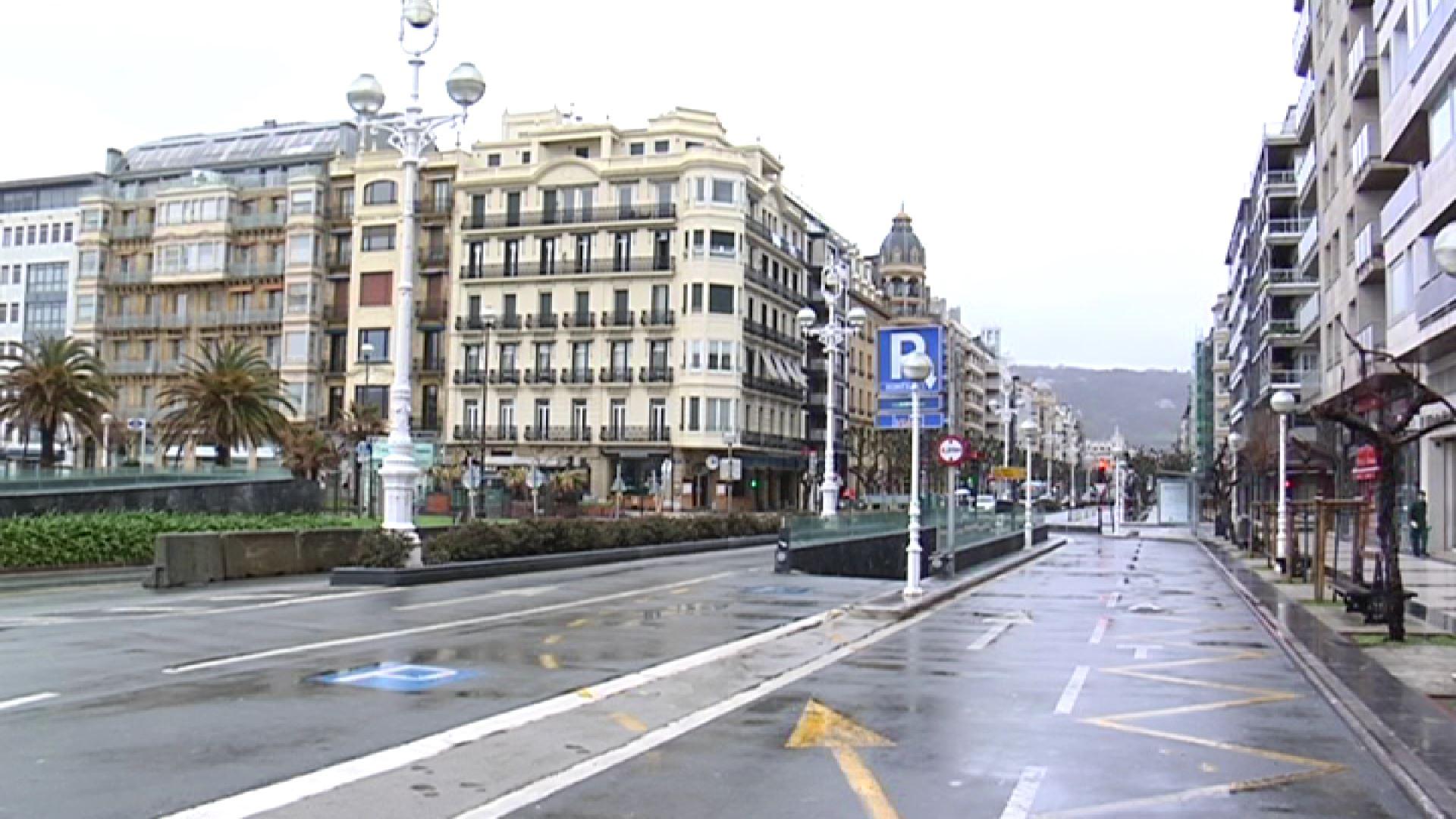 Vídeo: Calles semivacías en el primer día laborable tras el ...