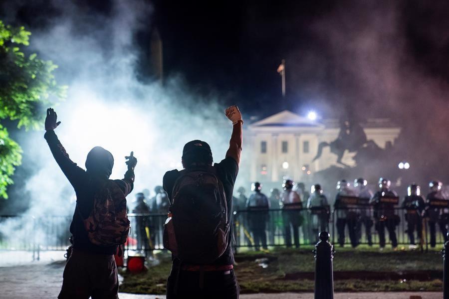 Video Los Manifestantes Desafian El Toque De Queda En Washington Noticias Del Mundo Eitb