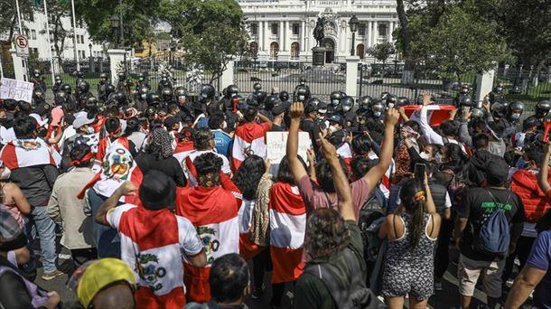El Congreso de Perú no logra un acuerdo para elegir al sustituto de Manuel  Merino
