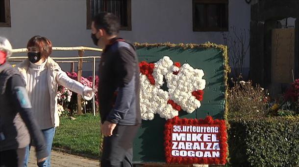 Cientos de personas recuerdan a Mikel Zabalza en Orbaizeta |  Política