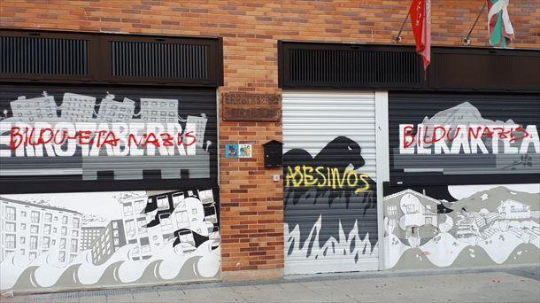 Aparecen grafitis contra EH Bildu y Otegi en Pamplona, Ansoáin y Orkoien    Política