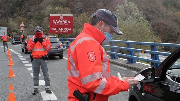 Euskadi y Navarra se coordinan para controlar la movilidad durante el puente |  Sociedad