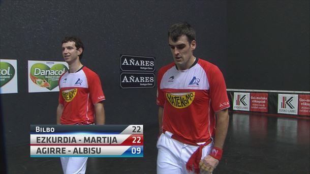 Ezkurdia y Martija se llevan el billete para la final del campeonato de parejas |  Bañera