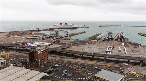 Vista del puerto de Dover en el Reino Unido